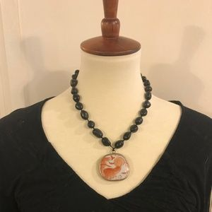 Jewelry - Chunky fish asian necklace